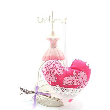 Inimioara dantelata cu lavanda Sweet Pink