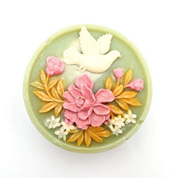 Sapun handmade cu castravete Porumbel si Flori