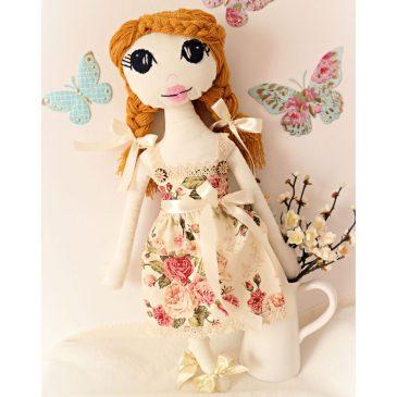 Papusa handmade textila decorativa Emma
